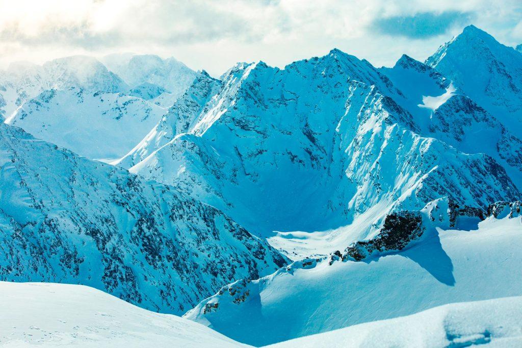 montanhas de neve